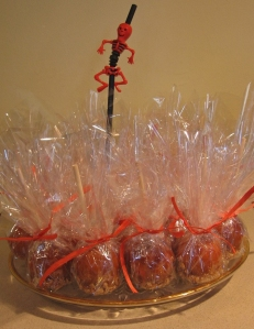 Caramel apples for Orcas Historical Museum